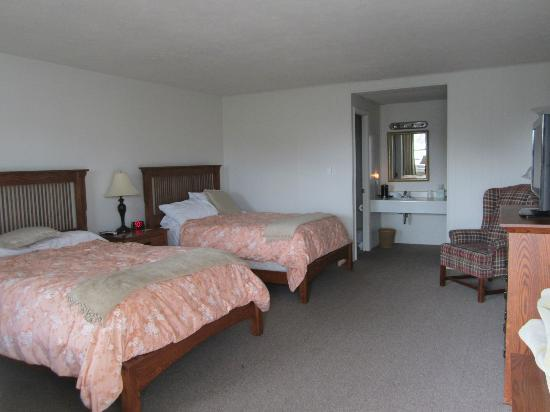 Orchard Inn: Our room