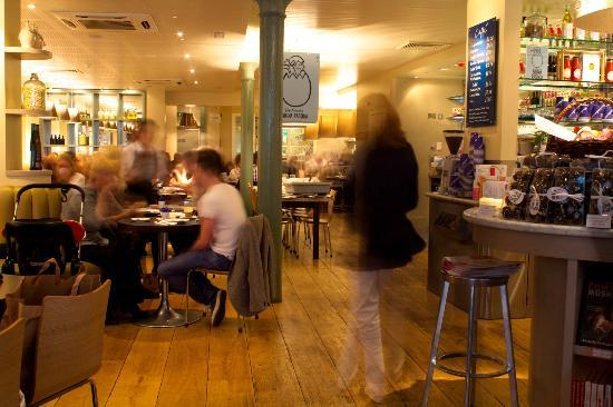Carluccio's - Chester: Csrluccios cafe has a communal table for large/mixed parties
