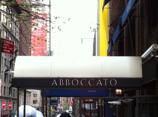 Abboccato : Out front
