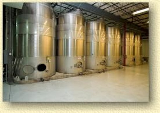 French Lick Winery: Tanks