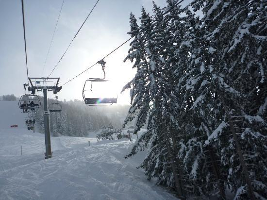 Chillchalet : On the Chairlift from 1600