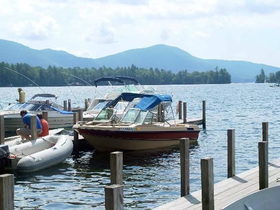 Carey's Lakeside Cottages: the boat dock
