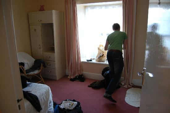 Bank House Sneem: Our room, with our mess!