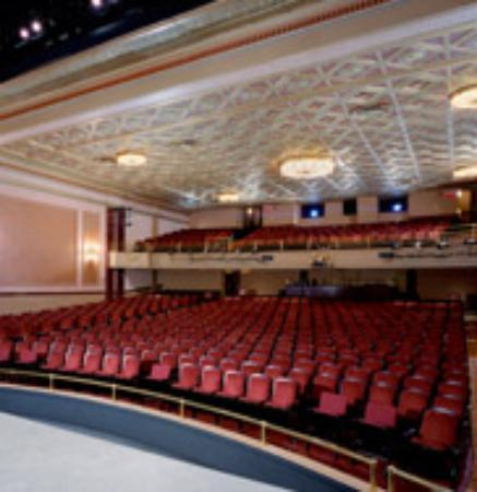 Majestic Theatre works to preserve downtown movies | The ...