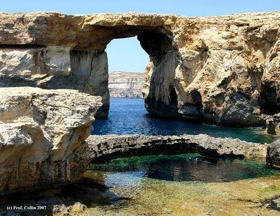St. Andrew's Divers Cove: Dwejra
