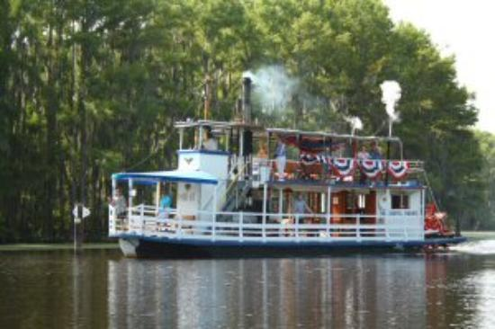 Graceful Ghost Steamboat Photo