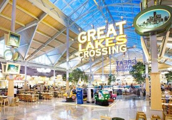 Auburn Hills, Μίσιγκαν: Great Lakes Crossing Outlets Food Court