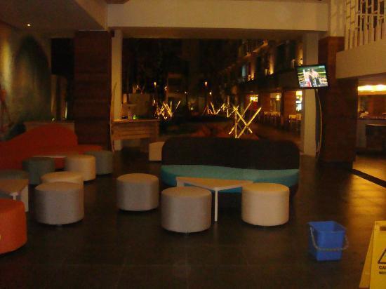Bliss Surfer Hotel: Lounge