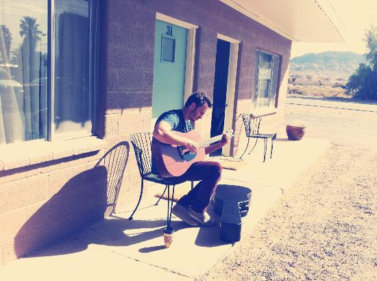 Shoshone Inn: me playing the guitar