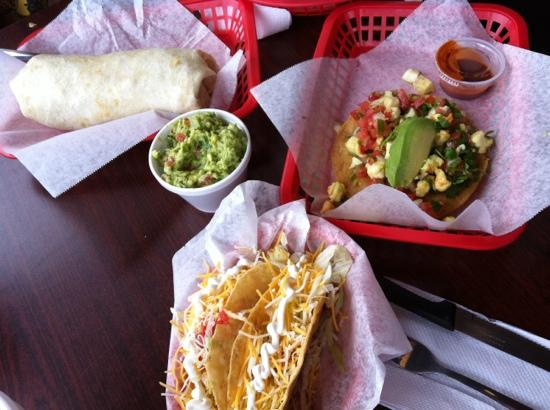 Tia Cori's Tacos: Taco-riffic!