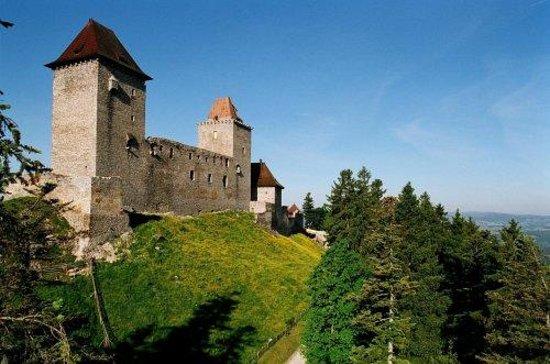 Kasperk Castle Photo