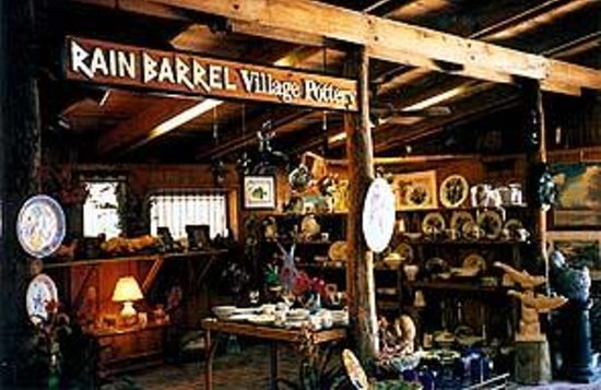 The Rain Barrel Artisan Village Foto