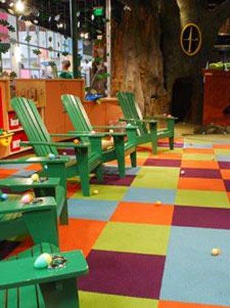 KidsQuest Children's Museum: Eggstraordinary Egg Hunt