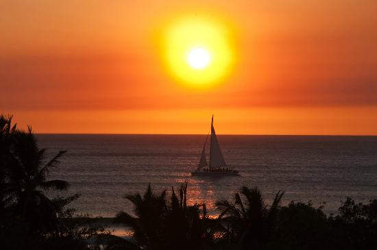 BEST WESTERN Tamarindo Vista Villas: sunset with zoom lense