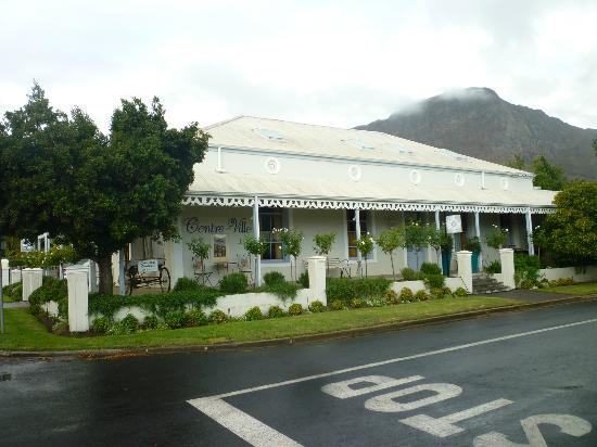 Centre-Ville Guest House: Front of guest house