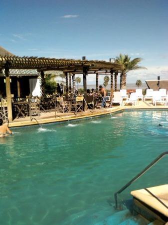 Victoria del Agua Parque Acuatico y Termal: bar en pileta termal