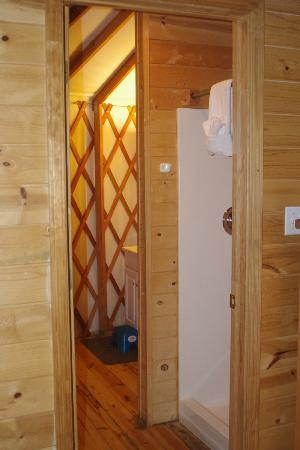 Yosemite Lakes RV Resort: Bathroom