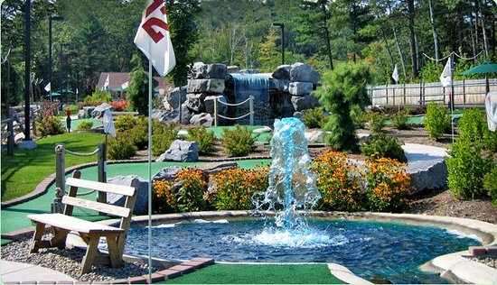 Lumberjack Pass Miniature Golf