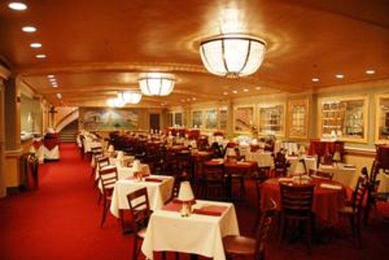 Morris Performing Arts Center: Morris Bistro Restaurant (Photo by Richard Feingold)