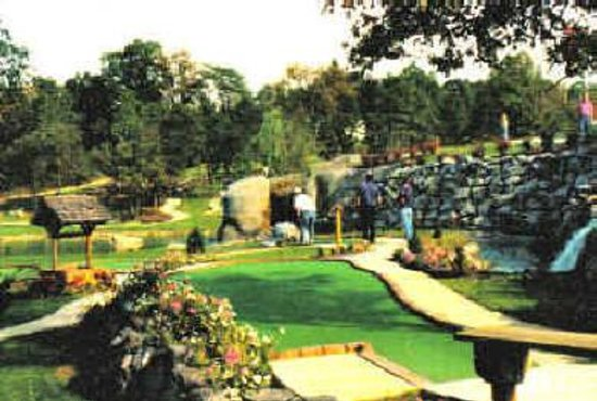 Mulligan MacDuffer Adventure Golf Photo