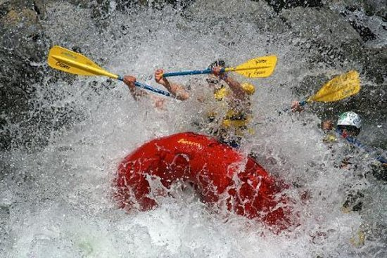 Osprey Rafting: Crashing through the huge waves!!