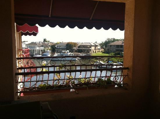 Best Western Harbour Inn & Suites: View from balcony of harbor