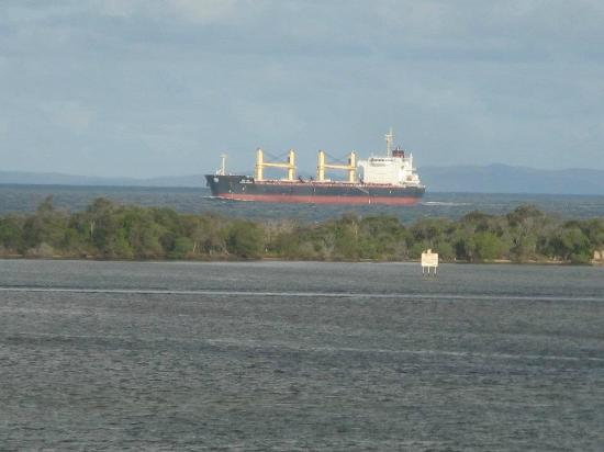 Gemini Resort: bribie Island shipping lane :)