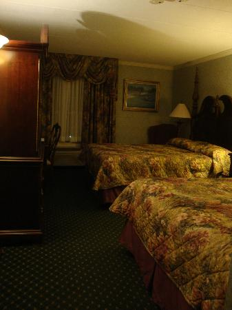 John Carver Inn & Spa: Our room
