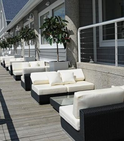The Lake House Waterfront Grille: Join us on the boardwalk for rest and relaxation!