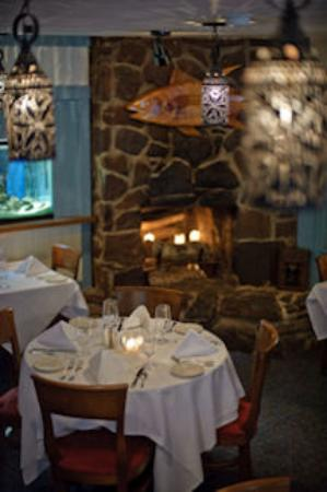 Milford Oyster House: Main dining room