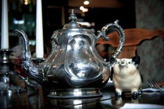 Roseleaf: Teapots!