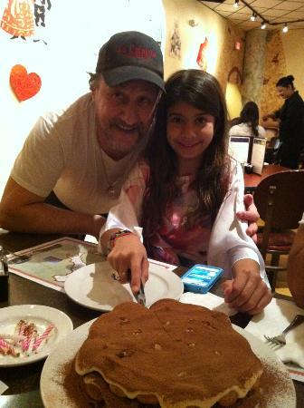 La Calabria Ristorante: Giovanni surprised my daughter with a homemade tiramisu cake for her birthday..Delicious!!