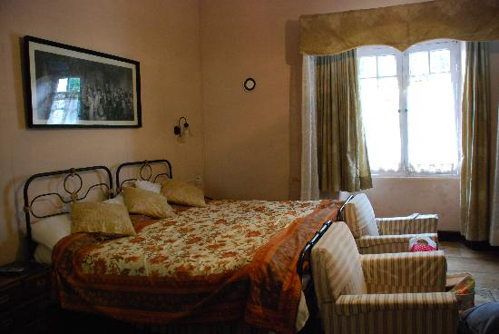 Lymond House: Room with view of the garden