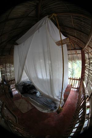 Casa de las Piedras: bedroom at bamboo treehouse