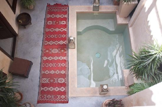 Riad Dar Beija: le patio et bassin