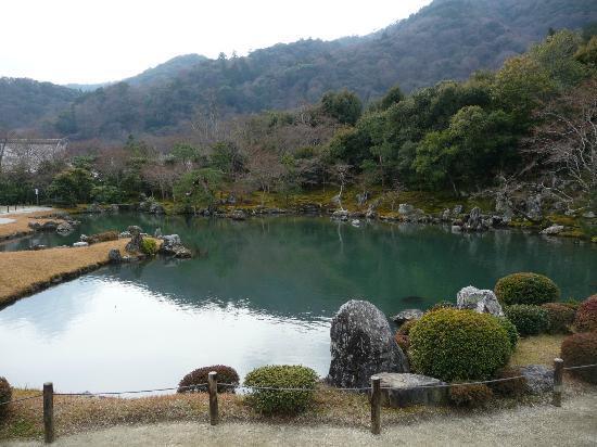Tenryuji Temple: 池が美しい