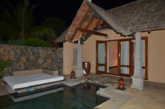 Maradiva Villas Resort and Spa: Pool in front of villa