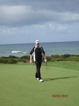 Navarino Dunes Golf: Par 4, hole #2 on The Bay