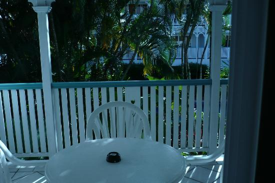 City Terraces Cairns: Balcony - Corner apartment so lovely and quiet