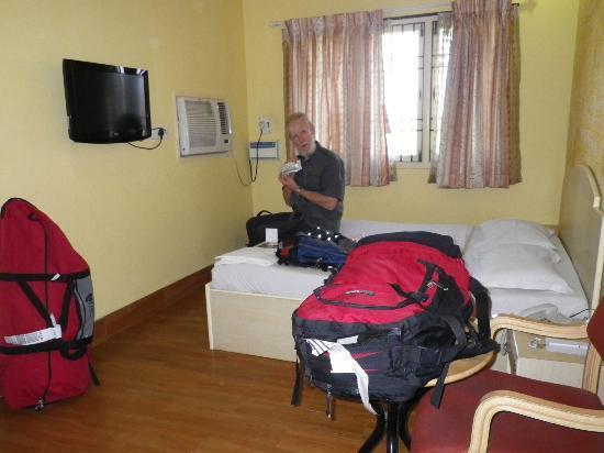 Room 301, Season 4 Guest House
