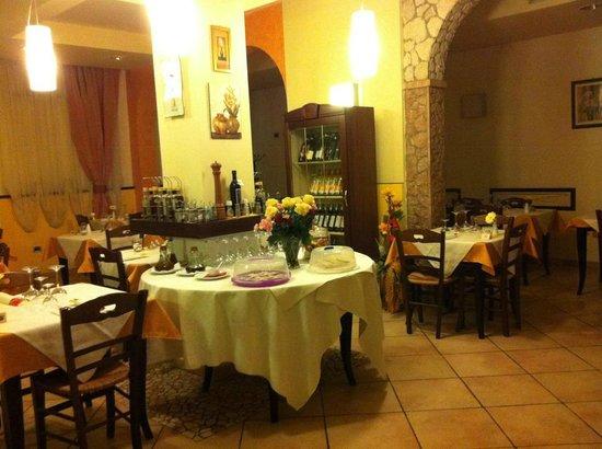 Locanda ristorante Arcobaleno: SALA RISTORANTE