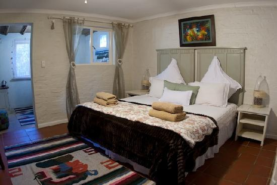 Bamboo the Guesthouse: Tree Fern - garden family suite (sleeps 4)