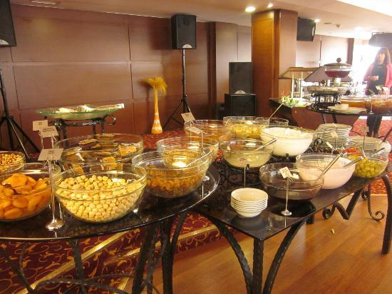Best Western Plus The President Hotel: Breakfast Buffet