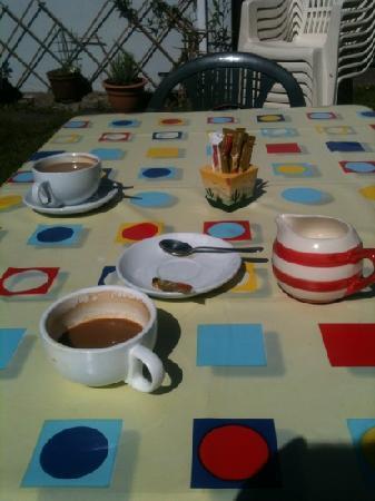 The Garden Cafe: coffee
