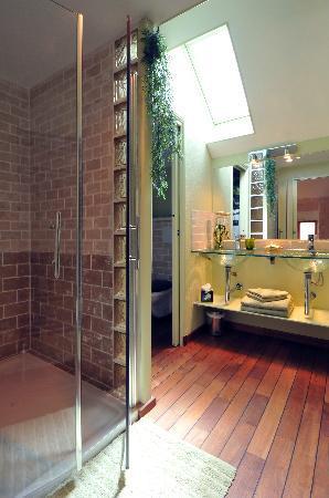 La Loge de Vigne : La salle de bain de la Chambre Vigneronne