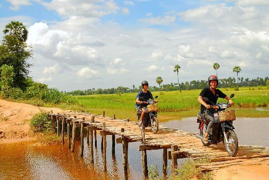‪Khmer Ways - Moto Adventures Day Tours‬