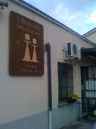 Pane e Vino..al Bettolino : proprio in stazione!