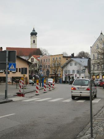 Lindners Romantik Hotel & Restaurants: Bad Aibling- just outside of front door of hotel/dining room