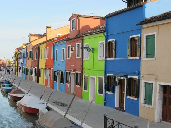 view of colourful homes in Burano