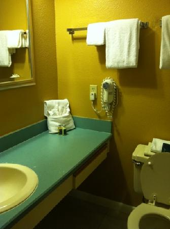 Legacy Vacation Resorts-Palm Coast: second bath